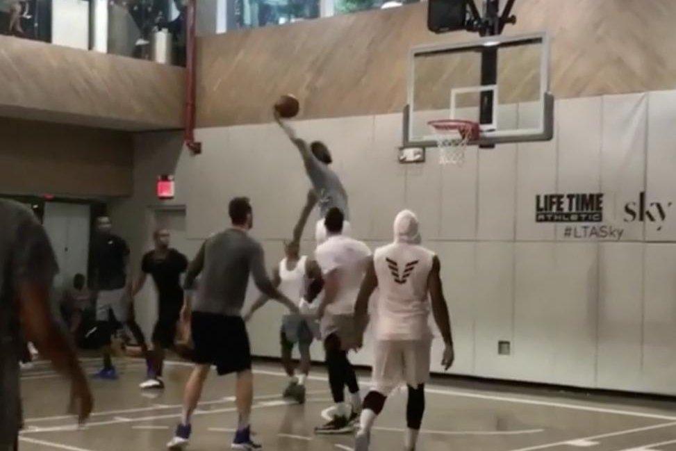 World Car Kia >> Watch: NBA stars LeBron James, Kevin Durant, Carmelo Anthony hoop in New York - UPI.com
