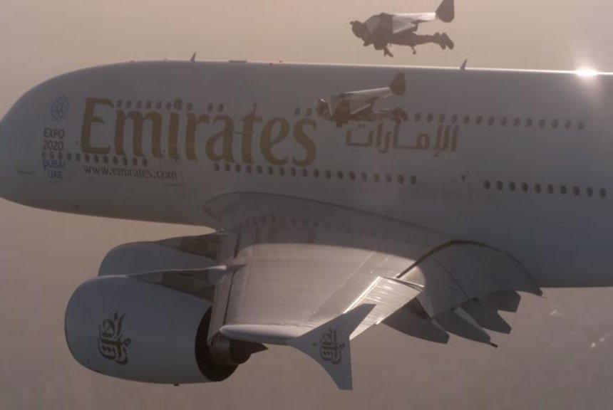 Watch: Jetman Dubai duo flies with Emirates plane - UPI com