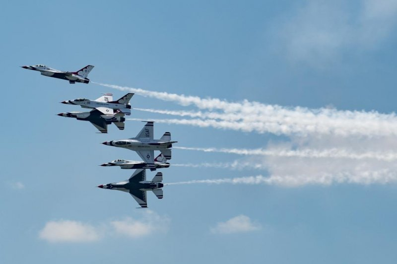 Air Force Thunderbird F 16 Crashes After Practice For Ohio