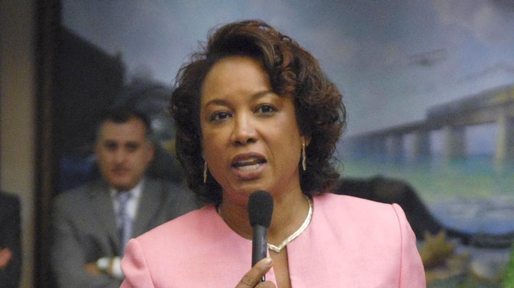 Florida Lt Governor Jennifer Carroll Plagued By Sex -7817