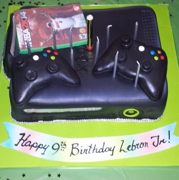 Lebron James Puts Himself On Son S Birthday Cake Photo Upi Com