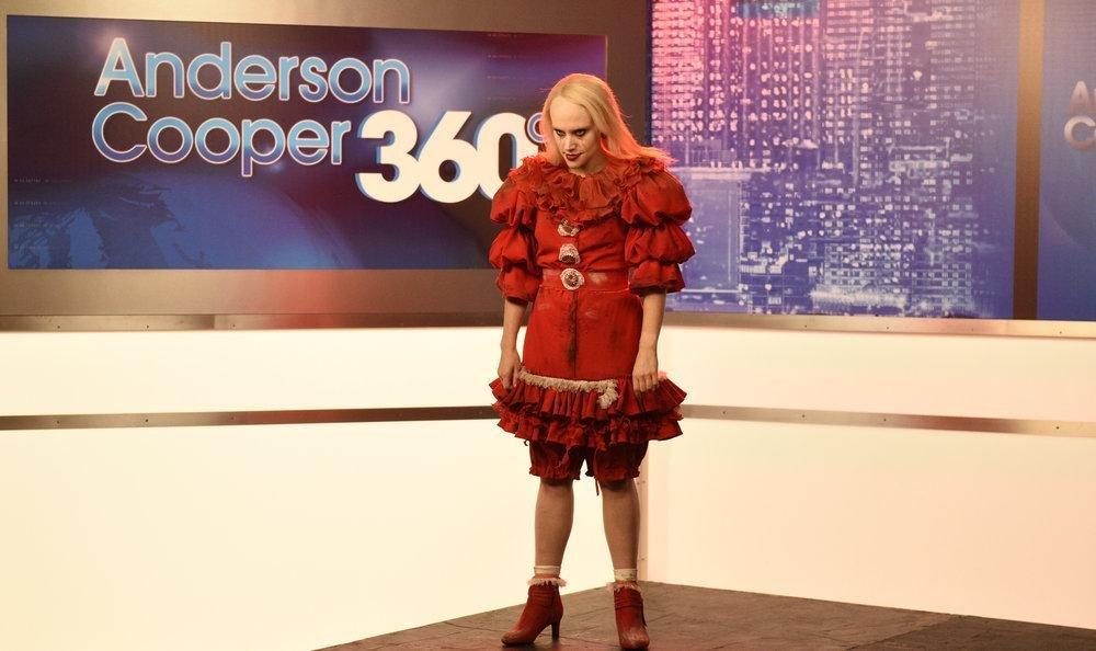'SNL': Kellyanne Conway depicted as Pennywise; Harvey ...