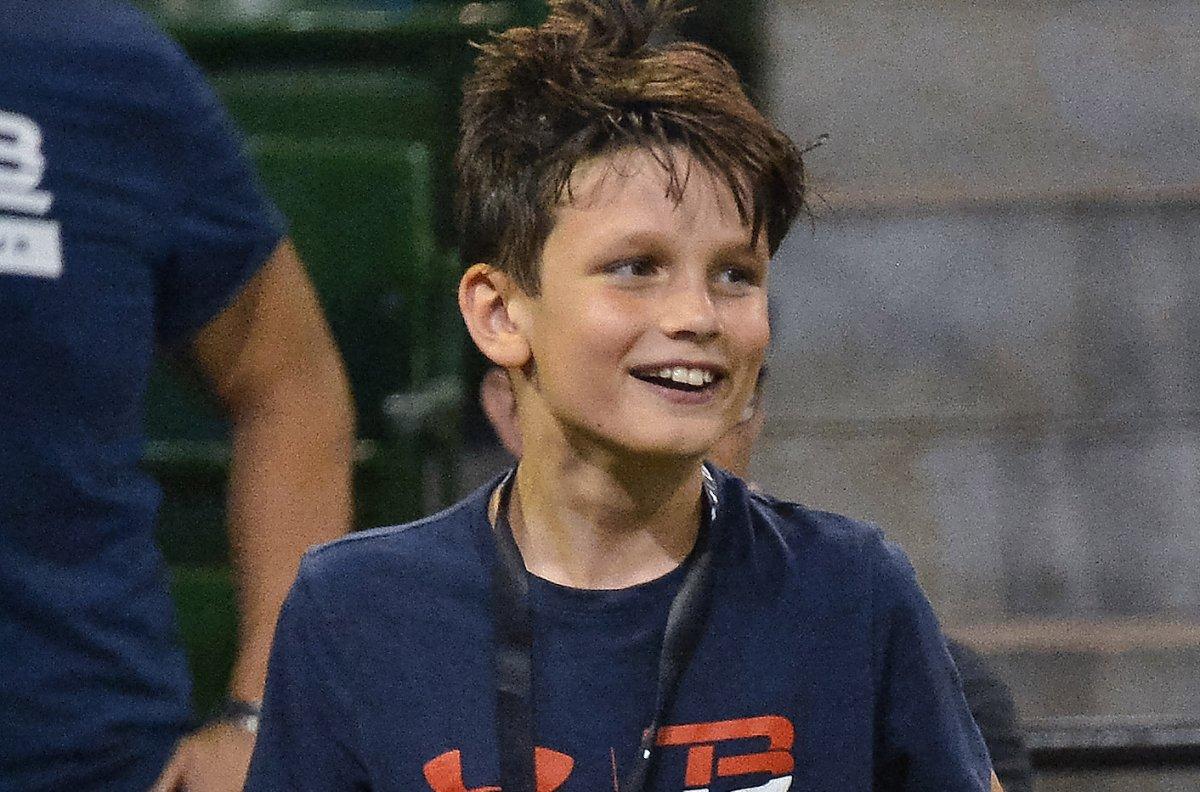 Look: Tom Brady teaching son solid passing mechanics on ...