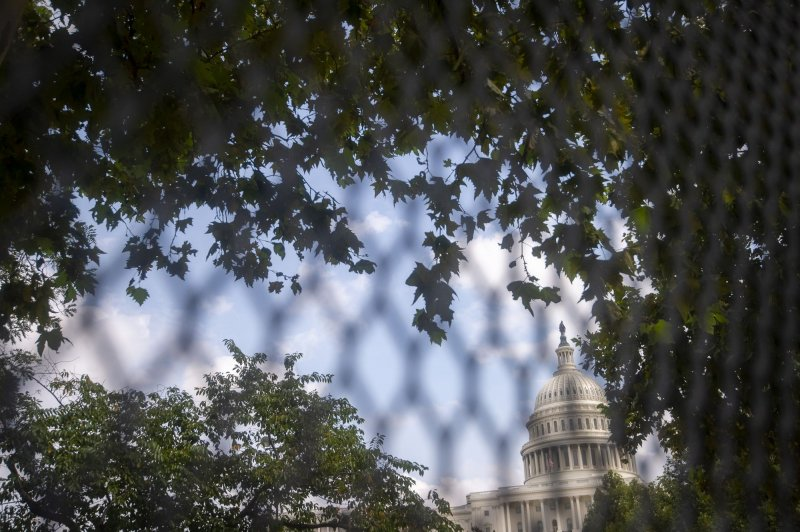 Security fencing returns to U.S. Capitol ahead of far ...