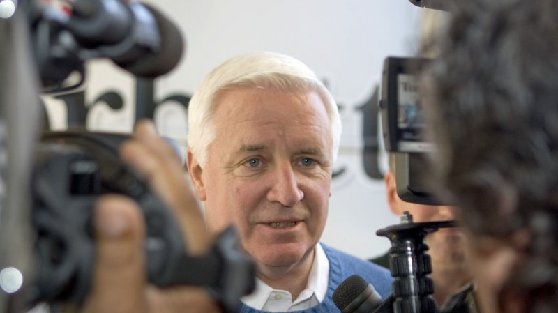 Pennsylvania Gov Tom Corbett Can T Find Any Latinos To