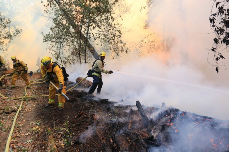 Officials: Drone operators impede California firefighter ...