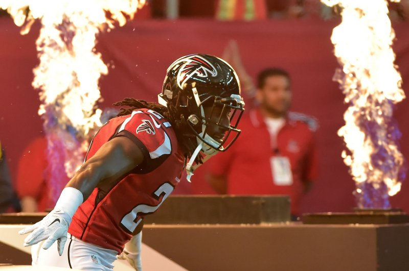 a08dbb94a7 Atlanta Falcons lock up CB Desmond Trufant with 5-year contract extension