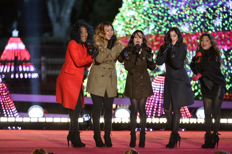 Watch The Obamas Light The National Christmas Tree