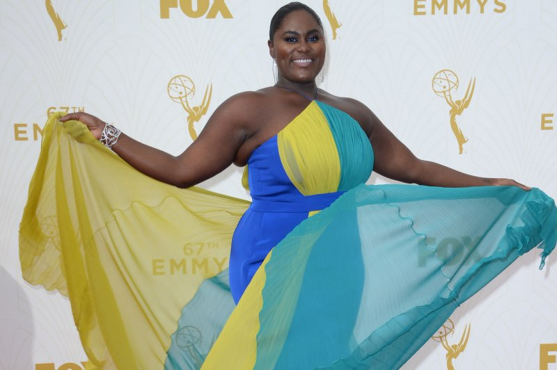 2015 Emmys Laverne Cox Taraji P Henson Bring Glitz And Glamour To The Red Carpet Upi Com