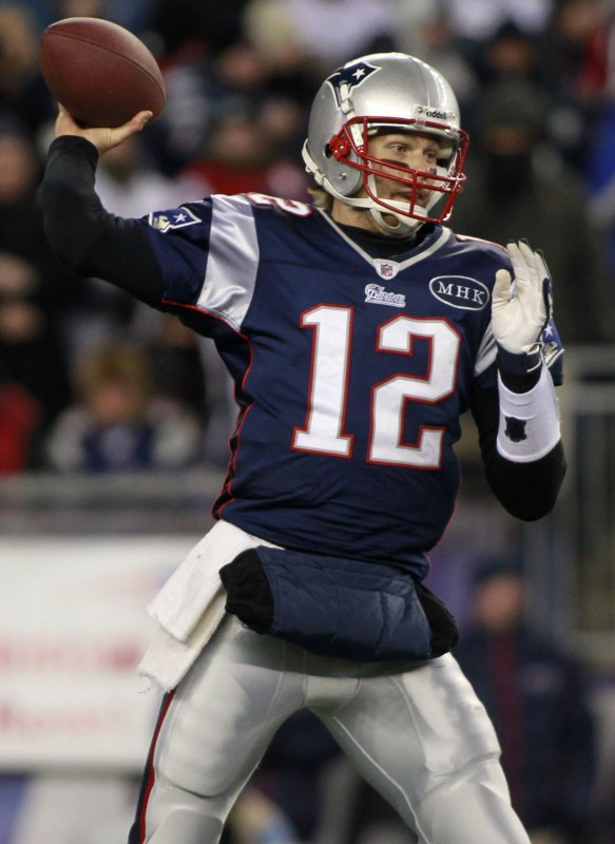 Brady sits with sore shoulder - UPI.com