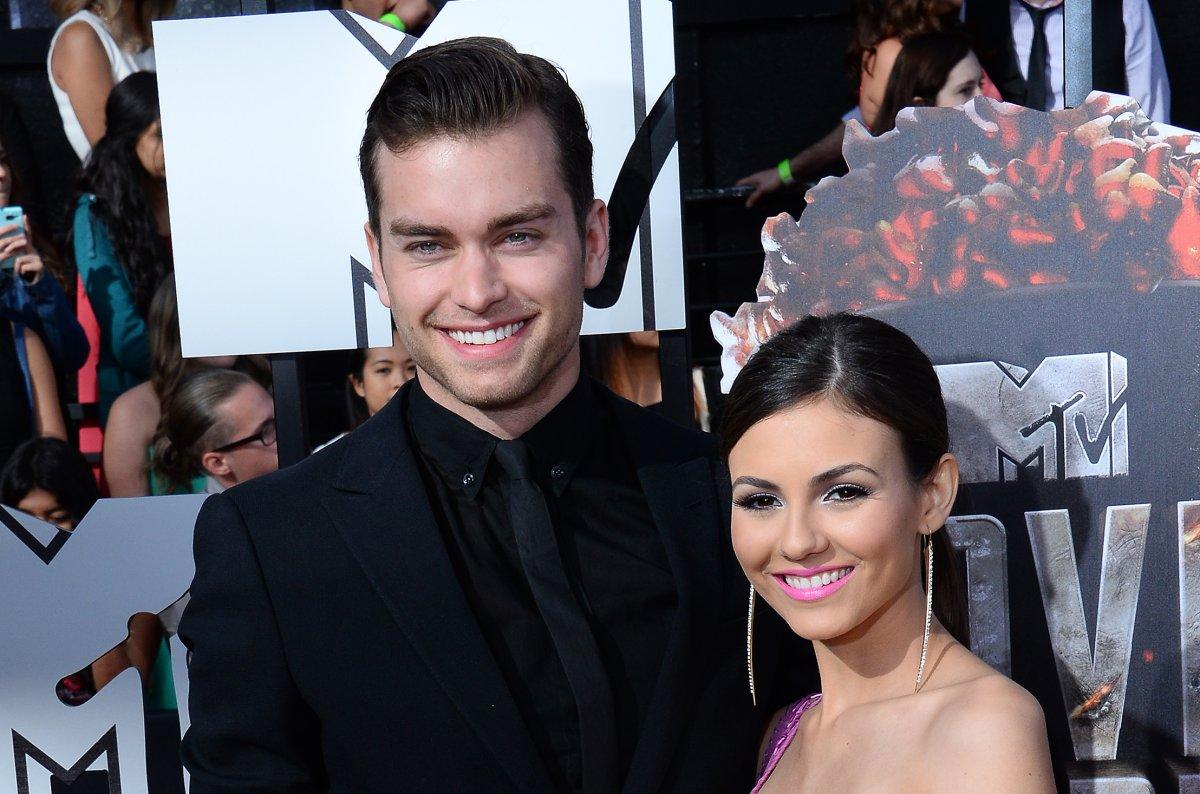 Burgess dating Sharna burgess dating josh – Dubai Fashion News