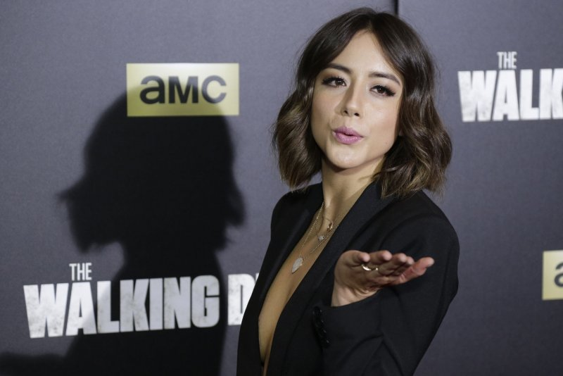 Chloe bennet says she wants to sit on olivia holt 9