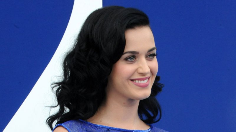 Kuka on Katy Perry dating 2013