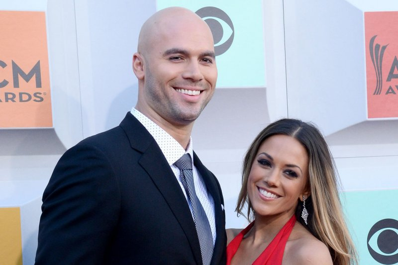 Jana Kramer 'grieving and in pain' after miscarriage - UPI com