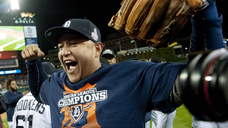 giants win world series  cabrera triple crown