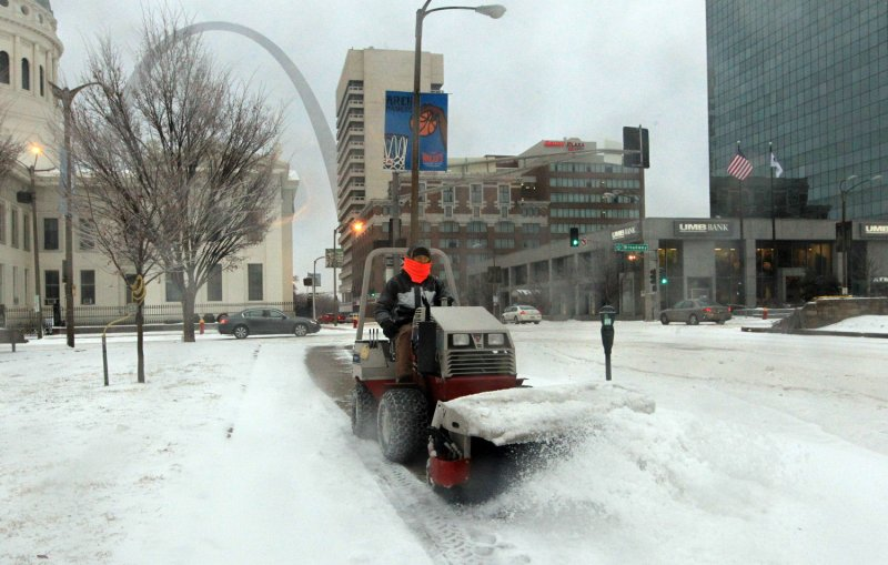 storm dumps snow and rain in northeast