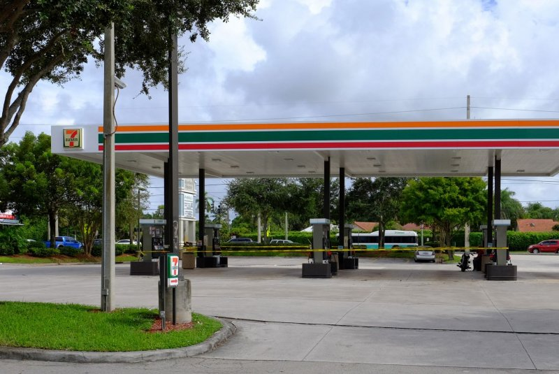 Feb. 7 (UPI) -- U. S. retail gasoline prices are holding steady as the  broader energy market is stuck in a tug-of-war of oil production trends, ...