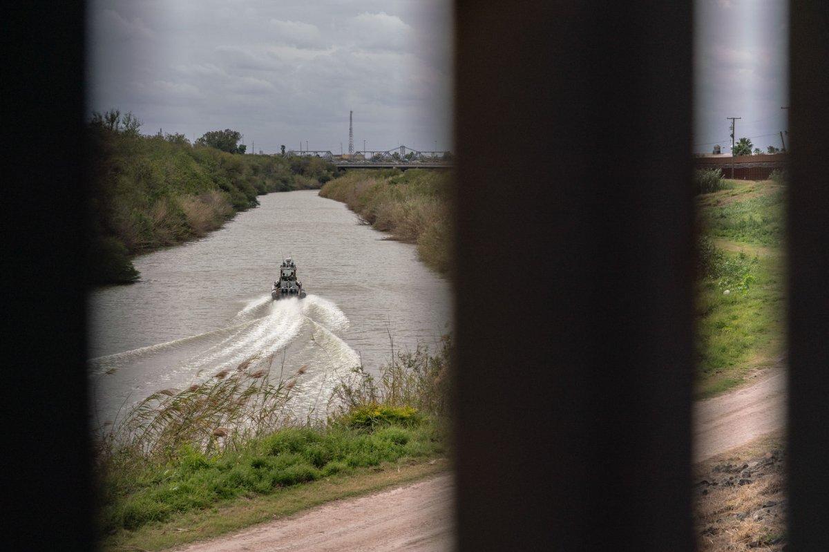 migrant raft overturns in rio grande river killing baby