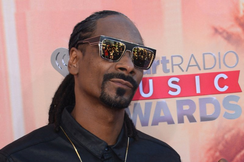 Snoop Dogg arrested in Sweden, accuses police of racial
