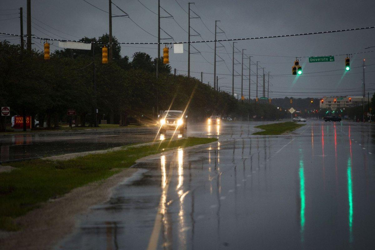 Rain, floods, tornadoes hit Carolinas as Hurricane Florence makes landfall - UPI.com