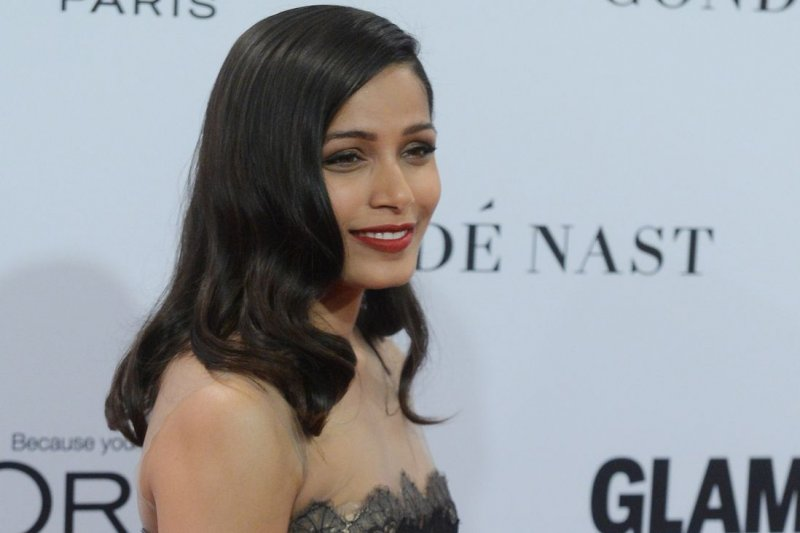 Freida Pinto engaged t...