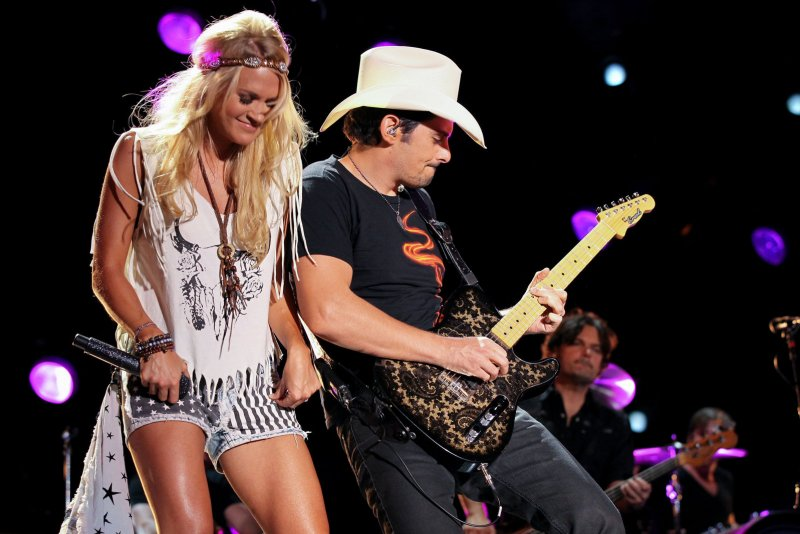 Brad Paisley And Carrie Underwood To Host The CMA Awards