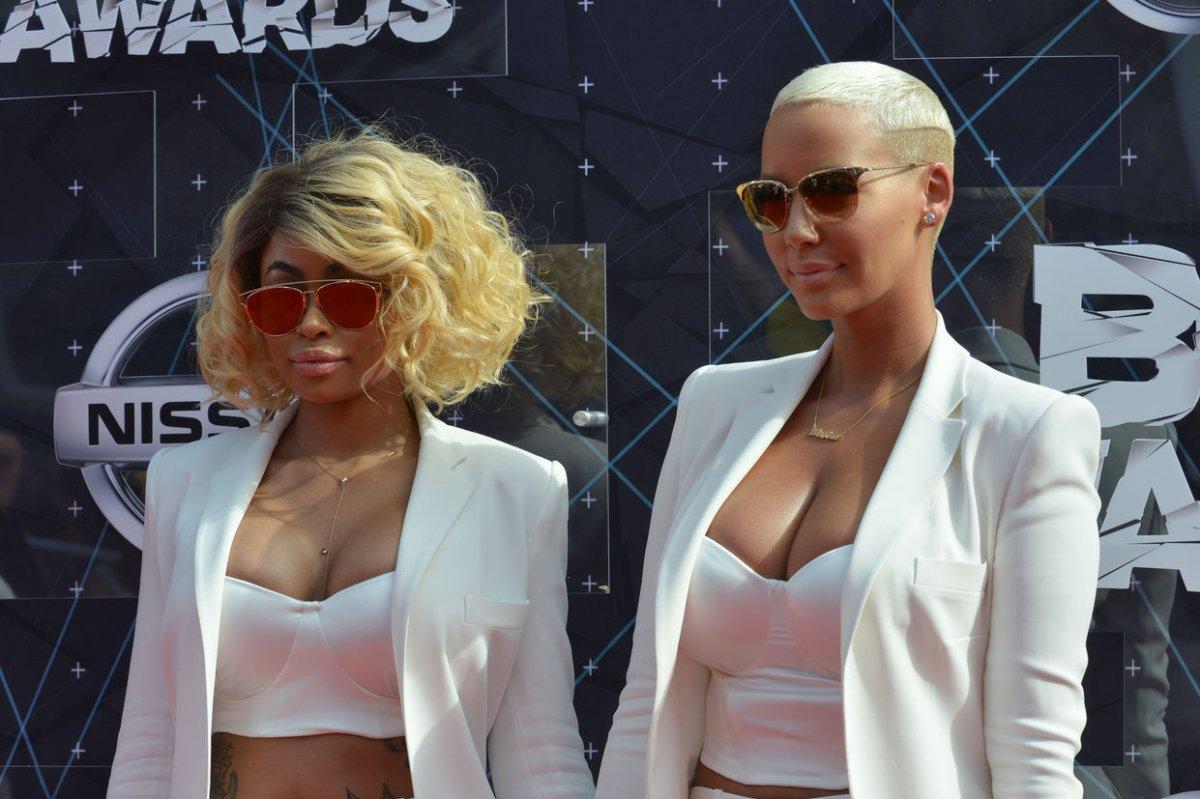 Blac Chyna, Rob Kardashian Celebrate At Co Ed Baby Shower   UPI.com