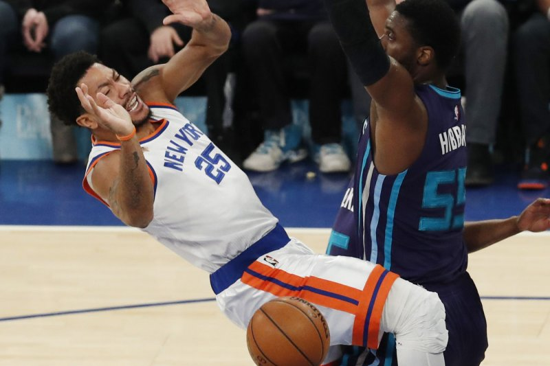 New York Knicks point guard Derrick Rose left Friday s game against the  Charlotte Hornets with a sprained left ankle after getting injured on a  drive to the ... ef8229288