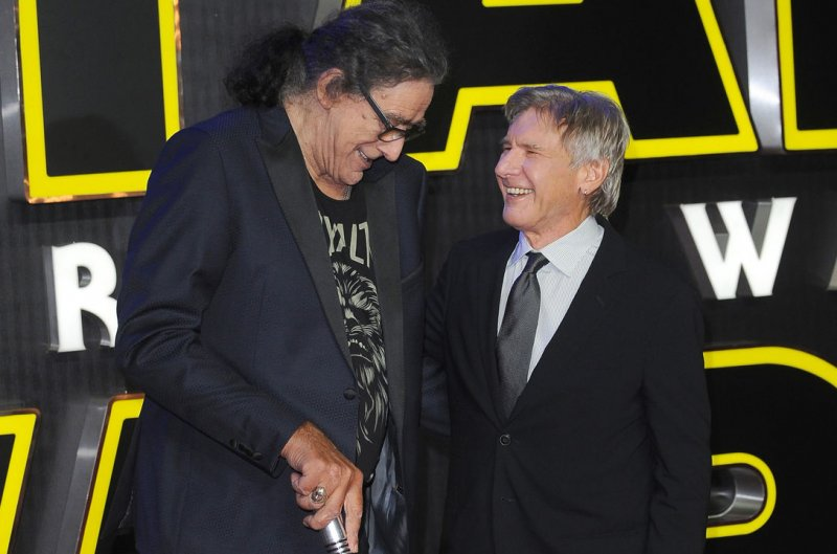 Star Wars Cast Crew Mourn Chewbacca Actor Peter Mayhew