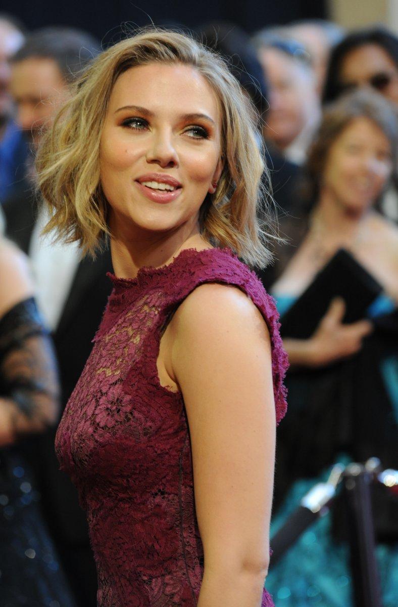 Nude Scarlett Johansson Photos Spark Legal Threats - Upicom-4095