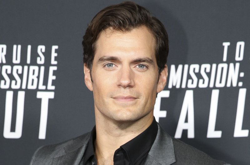 Henry Cavill debuts as Geralt in 'The Witcher' teaser