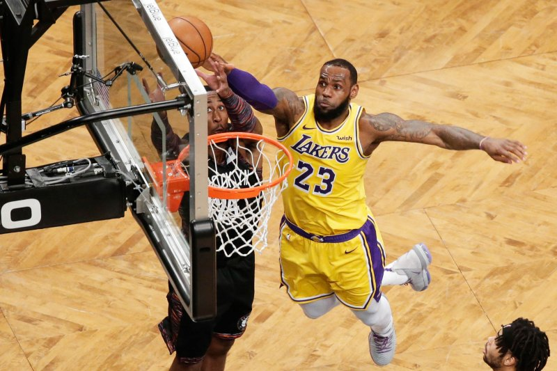free shipping 2fbba 07262 Lakers' LeBron James giving No. 23 jersey number to Anthony ...