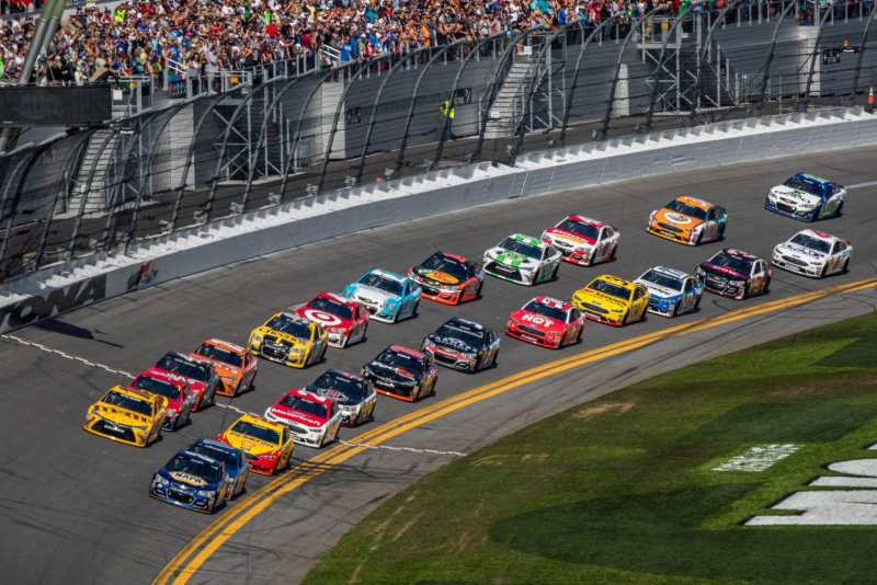 NASCAR 2017 schedule: Sprint Cup, XFINITY, and Camping World Truck ...