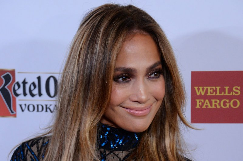 "max from dancing with the stars dating jennifer lopez Rumors are swirling that jennifer lopez is dating dancing with the stars' pro dancer maksim chmerkovskiy ""he danced with her at the [american music awards last november] and they kept in touch,"" a close friend to the 44-year-old entertainer shared to people."