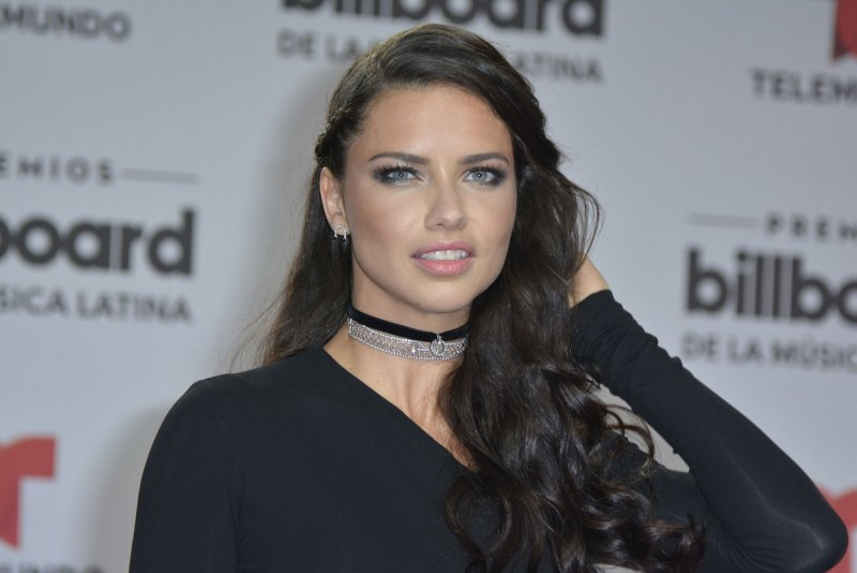 e75eb2c164 Adriana lima hoping to star in quentin tarantino movie jpg 800x534 Adriana  lima movies