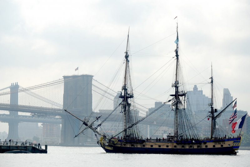 Replica warships sail the Hudson to celebrate 4th of July ...