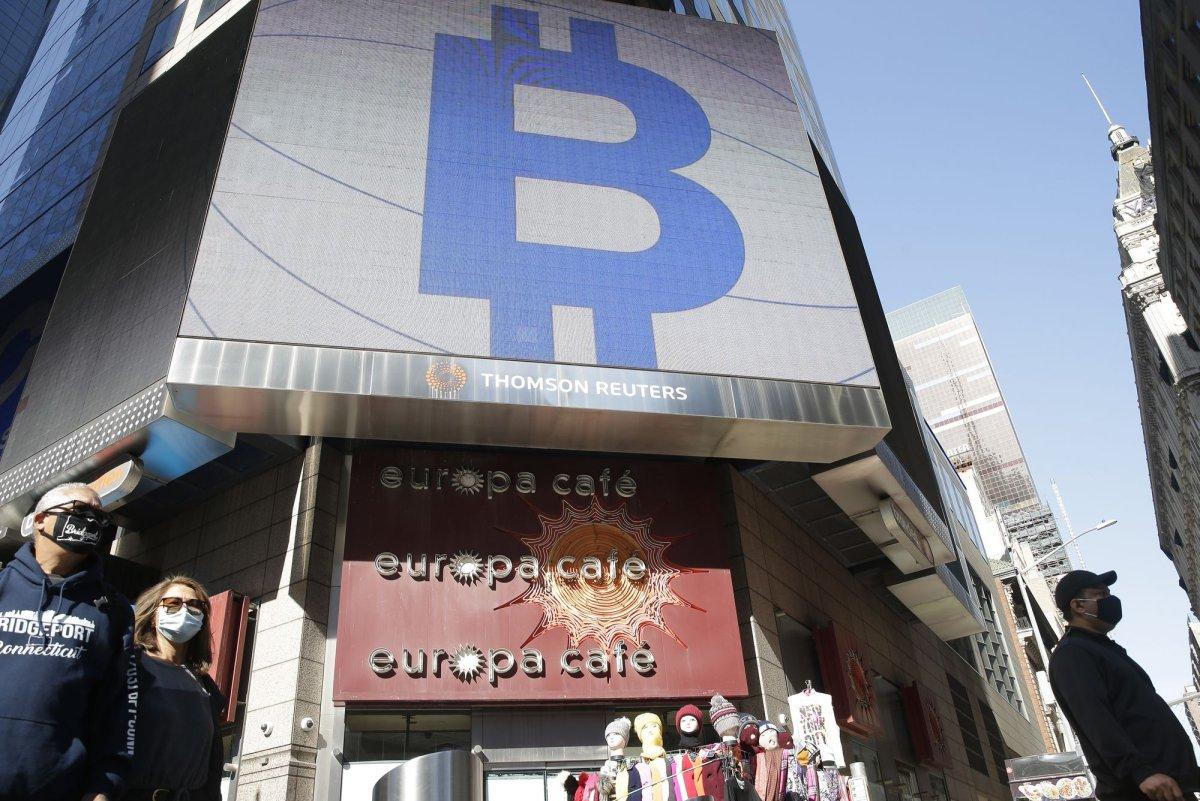 Bitcoin kurso dinamika, Kriptovaliutos galimybės ir grėsmės