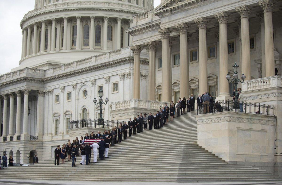 Biden, governors among hundreds at Lautenberg funeral ...