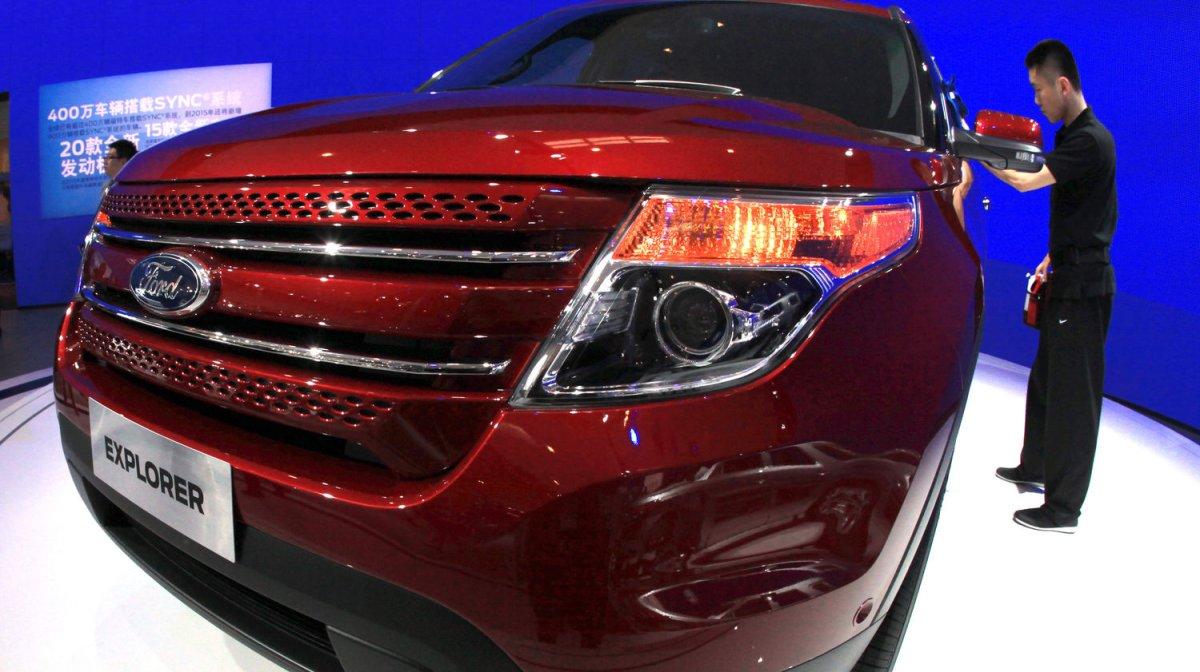 ford recalls 465k vehicles for fuel leak including. Black Bedroom Furniture Sets. Home Design Ideas
