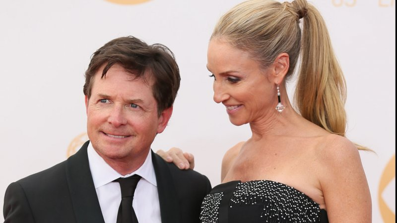 Michael J Fox Says He 39 Wouldn 39 T Be Alive 39 Without Wife