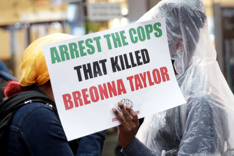 Polie Arrest Dozens At Good Trouble Rally For Breonna Taylor In Louisville Upi Com