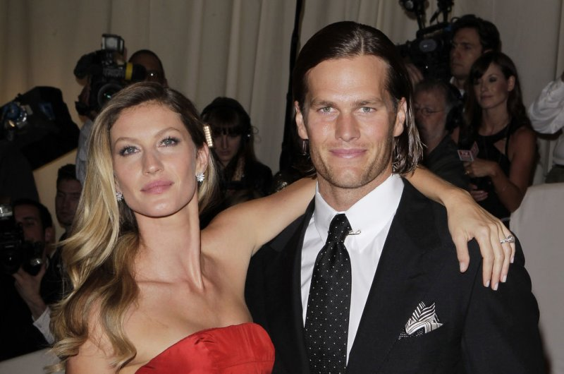 [Image: Tom-Brady-and-Gisele-Bundchen-welcome-ne...family.jpg]