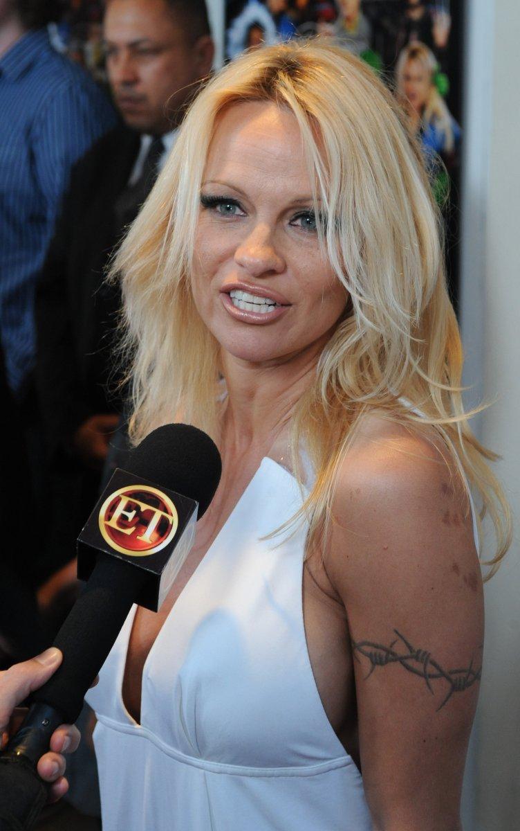Pamela Anderson Photo - Pamela Anderson unveils PETAs new