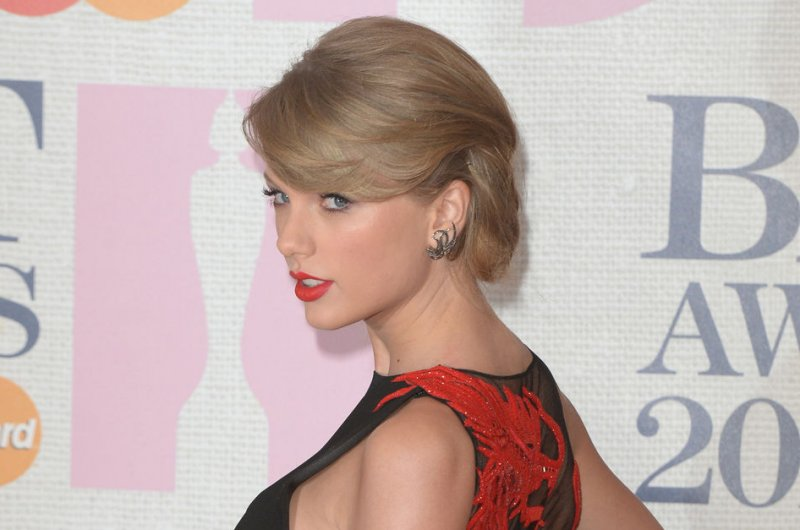 Taylor Swift Buys Porn-Site Domains With Her Name - Upicom-4759