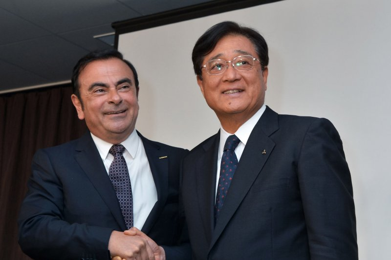 nissan renault ceo carlos ghosn takes control of. Black Bedroom Furniture Sets. Home Design Ideas