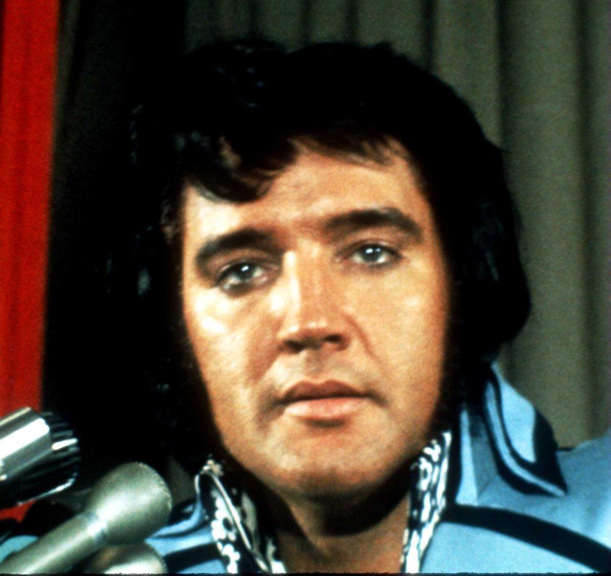 RARE 1978 Terry A West Oil Painting King Elvis Presley Art ...  |1977 Elvis Painting