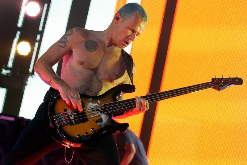 red hot chili peppers release single 39 dark necessities 39 detail new album. Black Bedroom Furniture Sets. Home Design Ideas