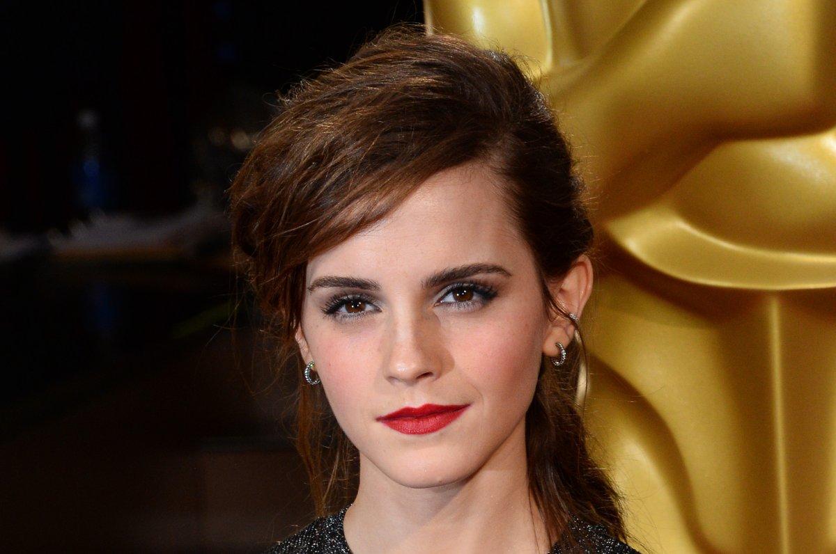 Emma Watson naked photos to be leaked within days claim