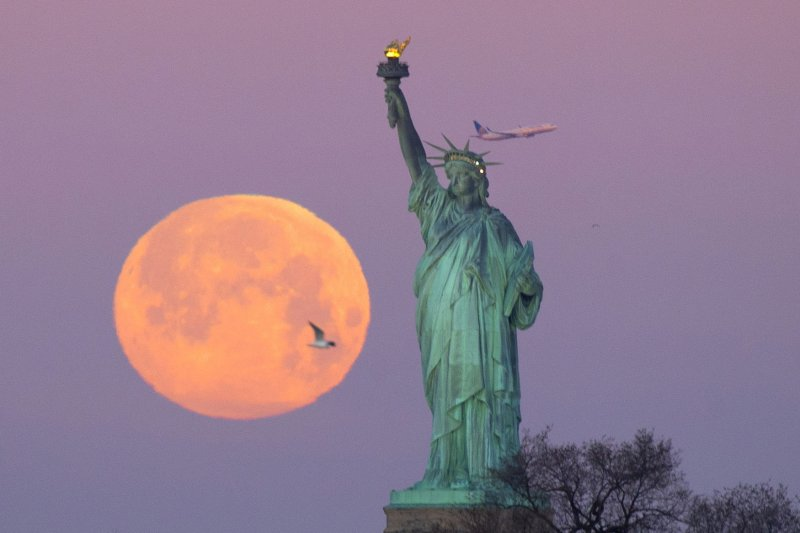 Rent A Tesla >> Watch February's super snow moon, year's brightest - UPI.com