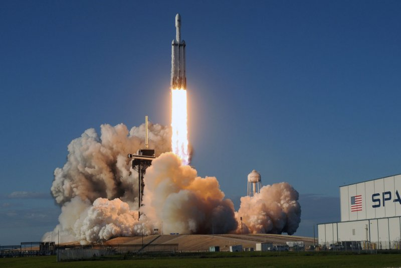 ISS resupply mission on schedule after SpaceX Crew Dragon ...